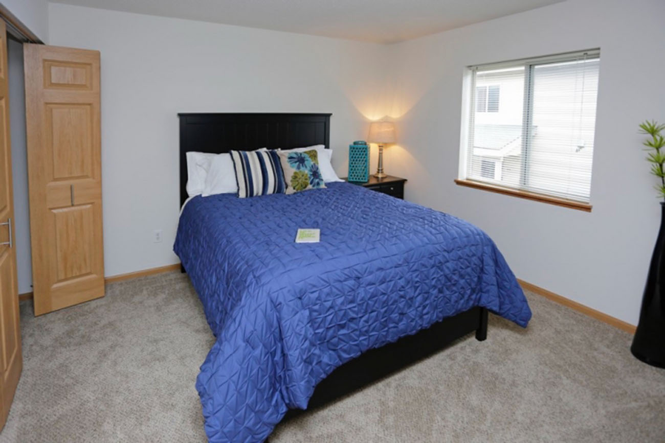 The Birch (2 Bedroom): Large bedrooms -- can fit king-sized bed comfortably!