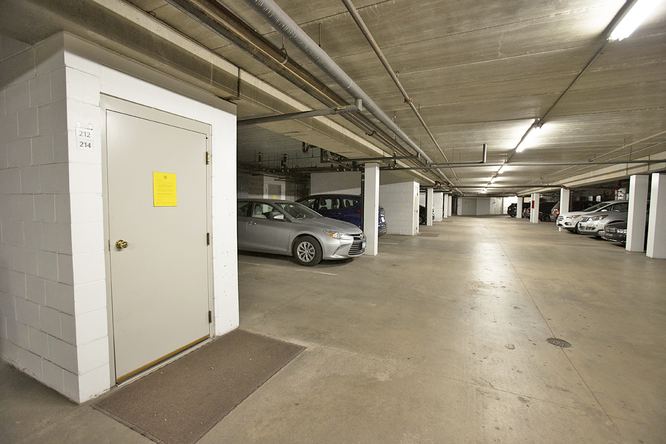 Heated underground parking (1 stall included!)