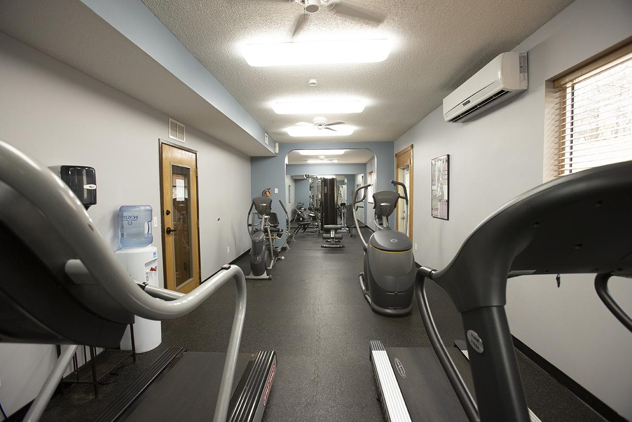 24-hour fitness center: Cardio equipment