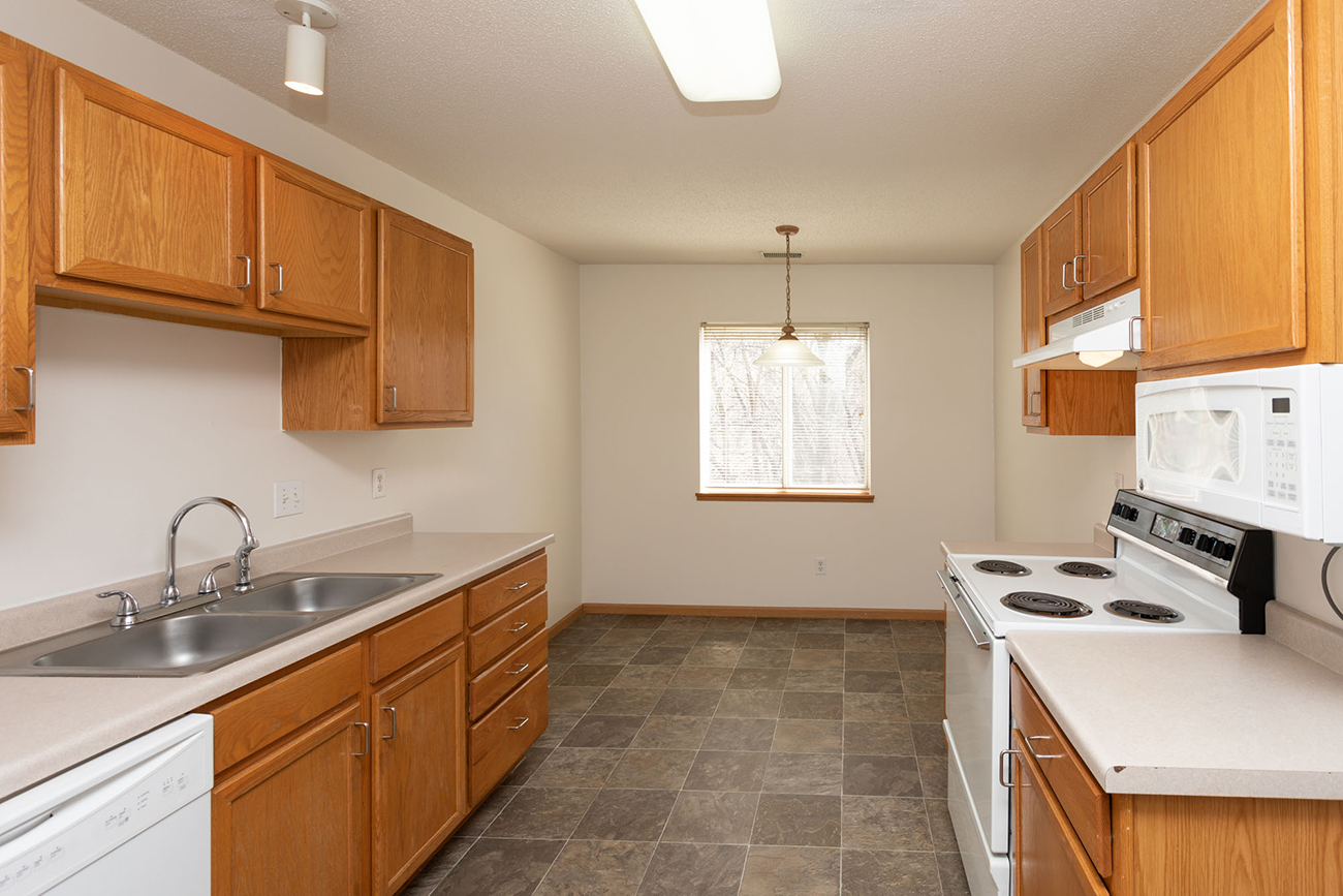 The Cedar (3 Bedroom): Kitchen with dining area